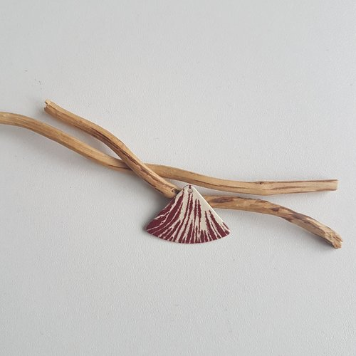 X 2 pendentifs éventails ivoire et rouge foncé