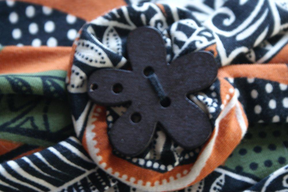 bandeau jersey fond marron brique imprimé feuilles kaki beige  et noir
