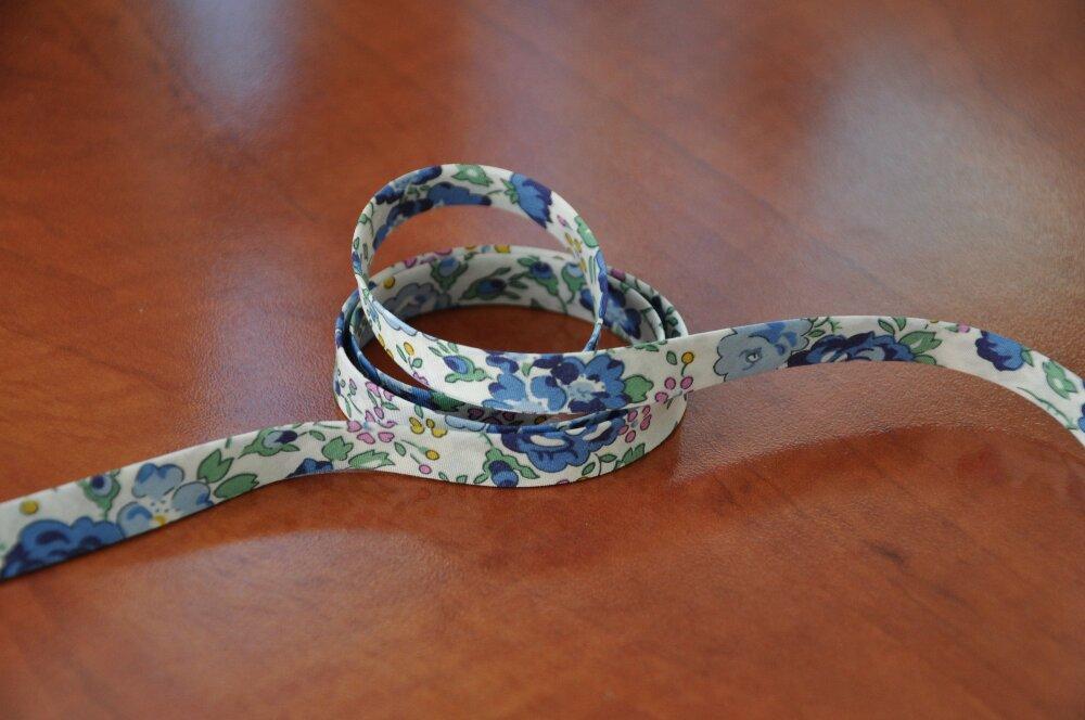 """2m25 - Biais 10mm biais """"Felicite navy blue, biais liberty bleu idéal création de bijoux: (longueur de 225 cms) dernier métrage!"""
