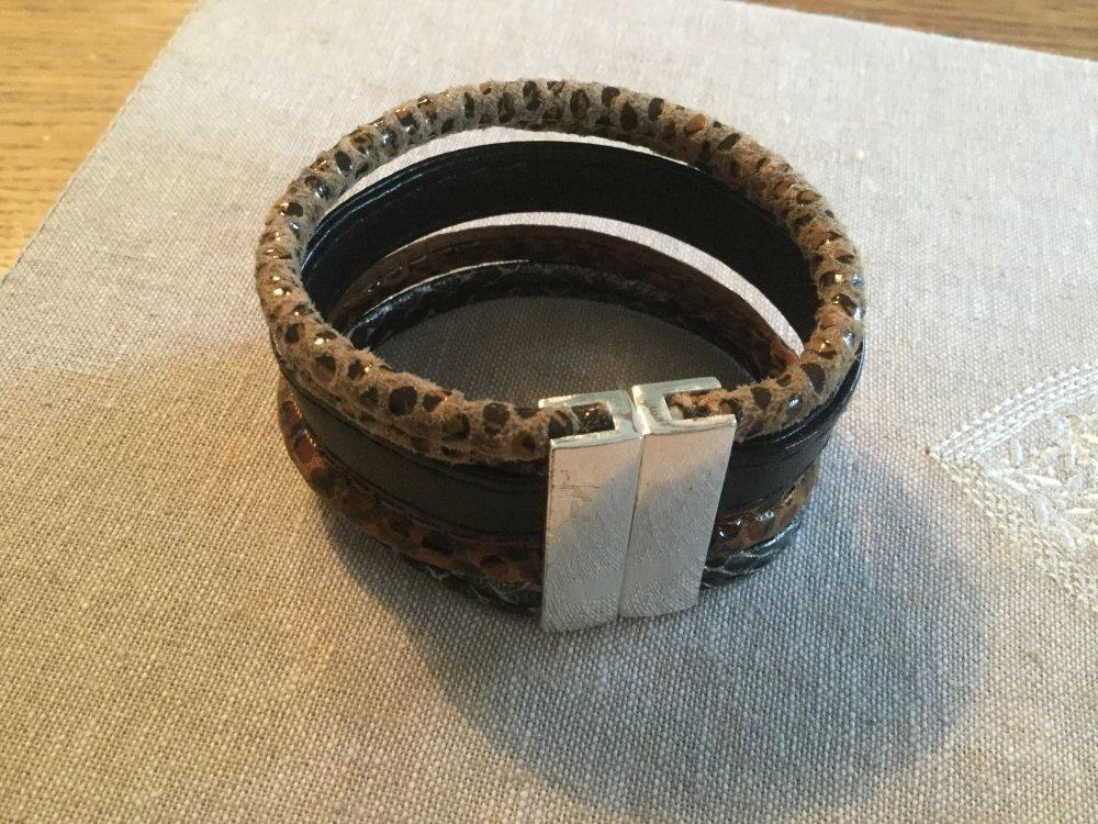 Manchette cuir noire et lien multiple