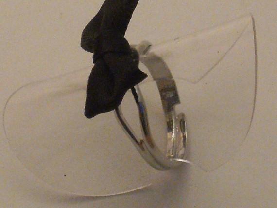 Bague argenté noeud noir