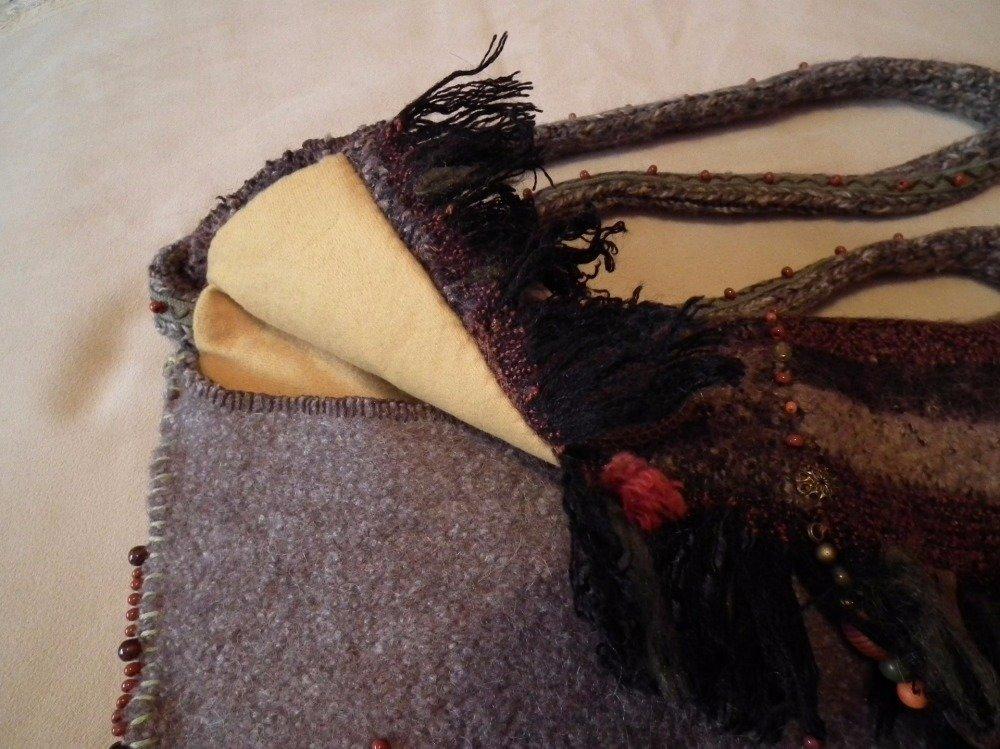 Sac berbère AFOURER en laine bouillie couleur terre.