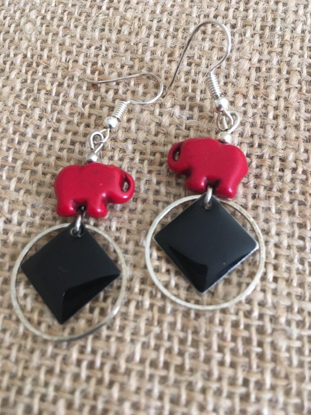 Boucles oreilles sequins noirs avec perles elephants - Les Bijoux de Melou