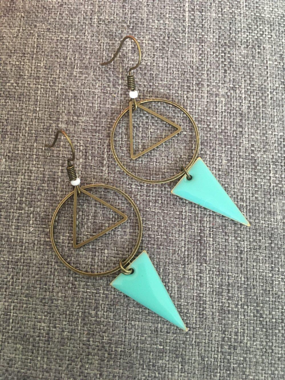 Boucles sequins triangles et connecteurs ronds lesbijouxdemelou