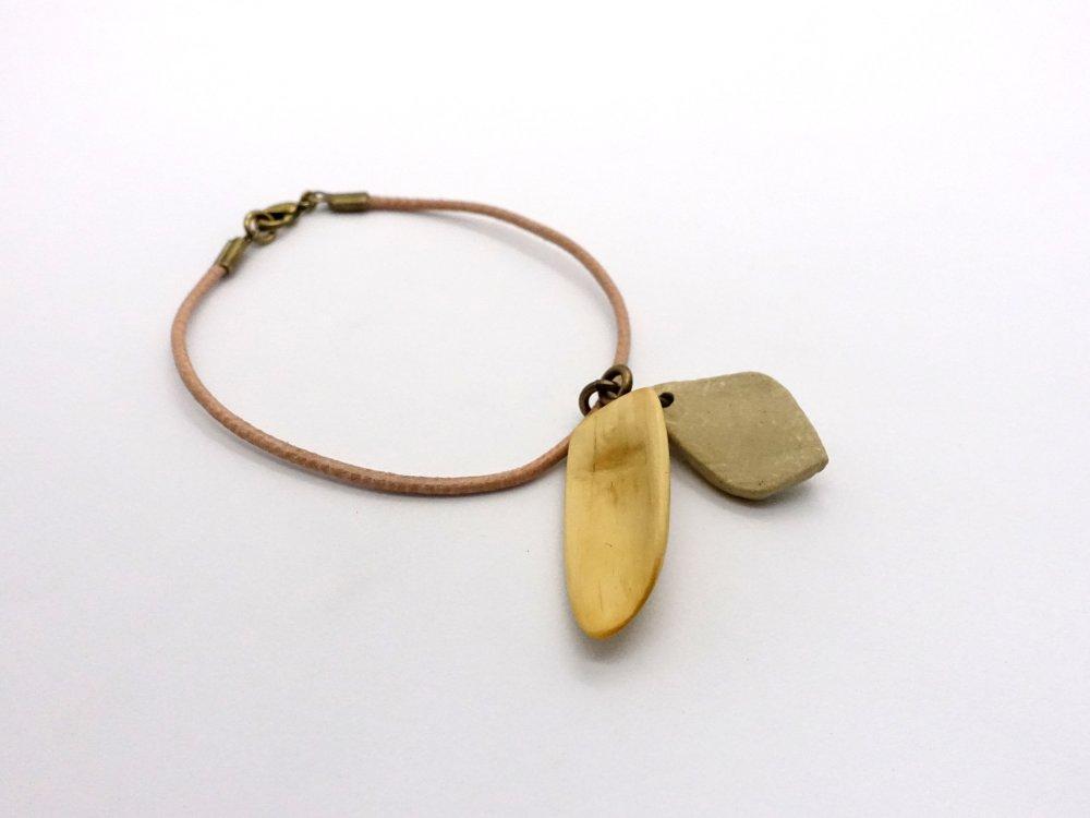 Bracelet Sceau, bracelet cuir à breloques bois et grès