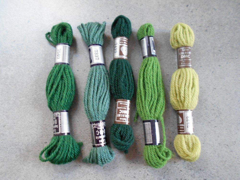 Assortiment 5 échevettes DMC laine nuances de vert