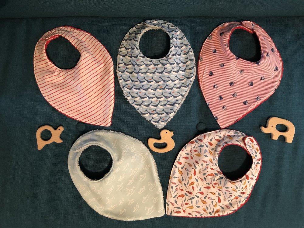 Lot 5 bavoirs bandana