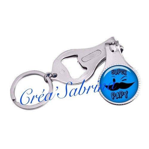 Porte clefs décapsuleur coupe ongle