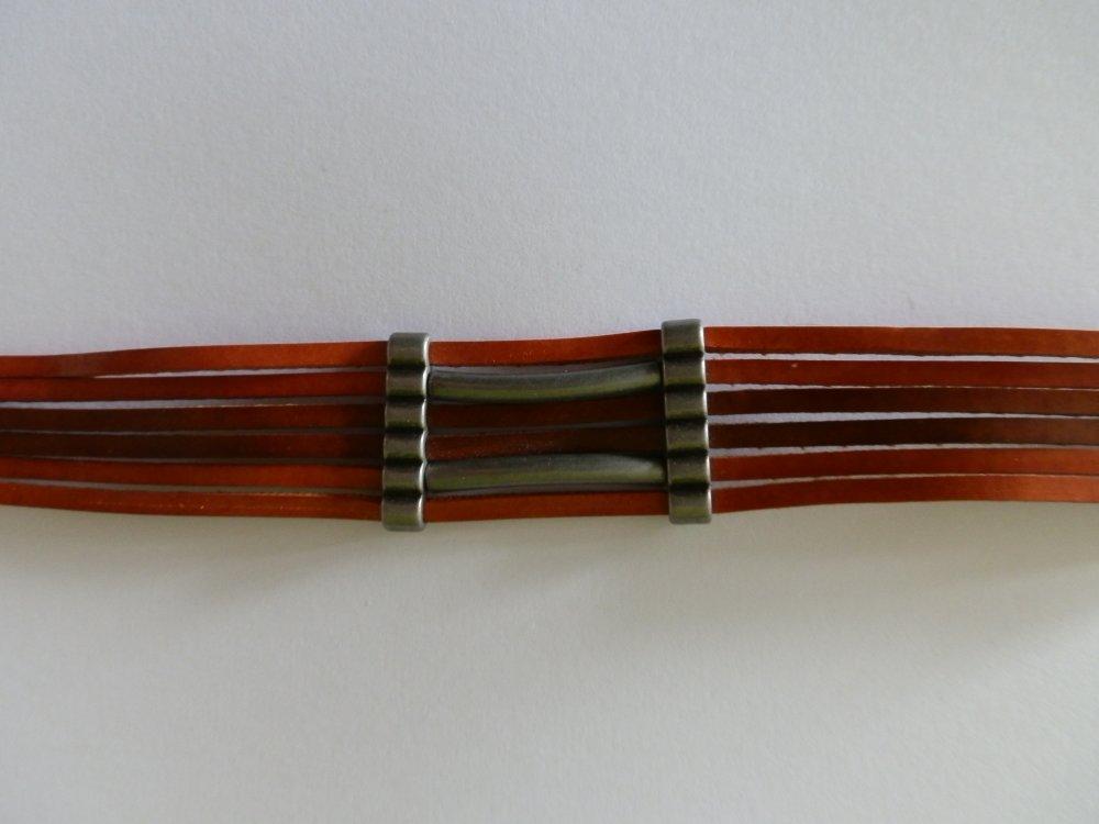 bracelet cuir avec fermoirs, perles trous ou multirangs et perles tube en acier antique vieilli