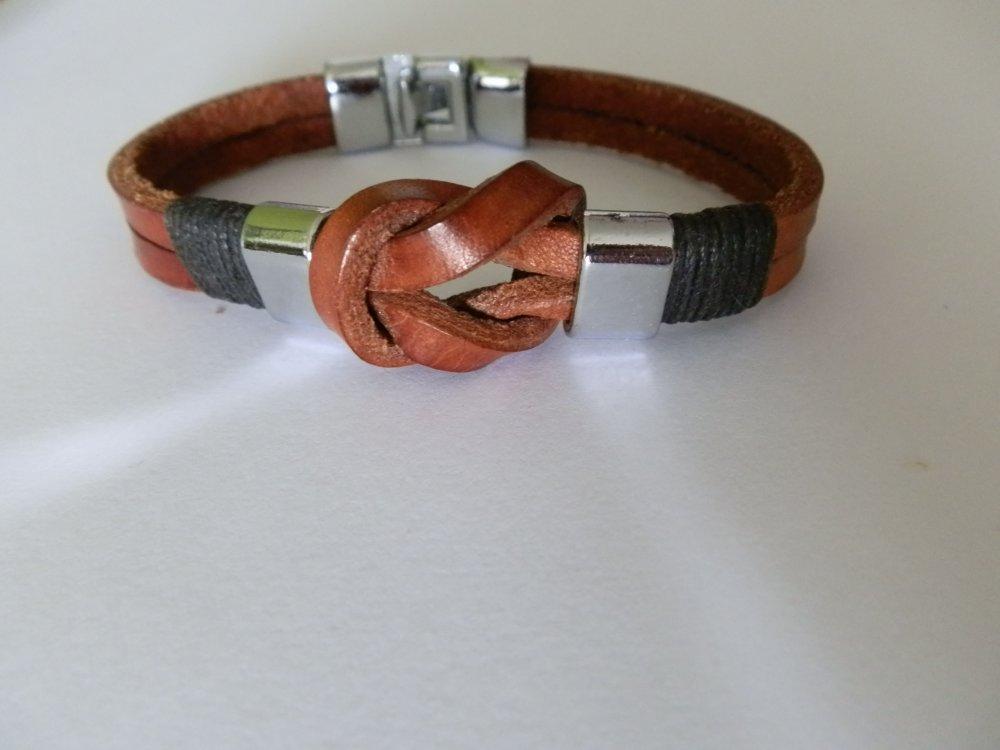bracelet cuir avec fermoirs, perles plates en acier vernis et coton ciré