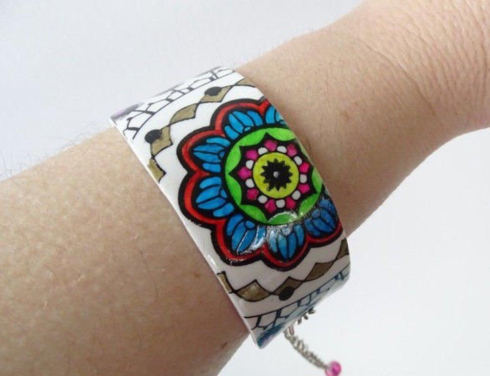 Bracelet sémi rigide multicolore motif mandala en pâte fimo polymère