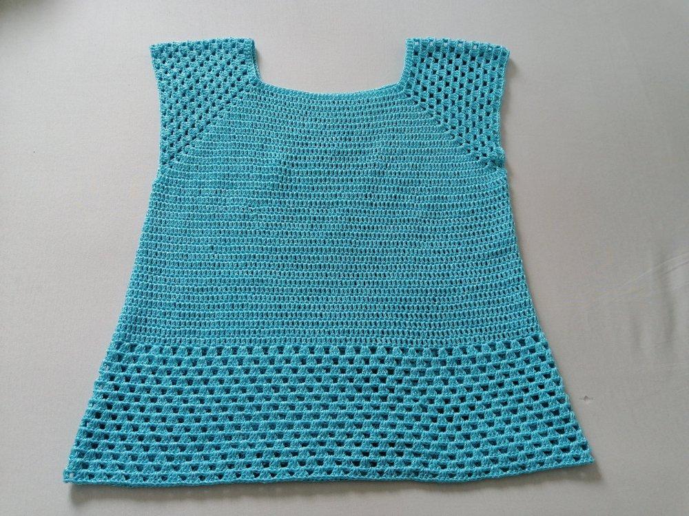 Magnifique blouse ou tunique au crochet ton turquoise