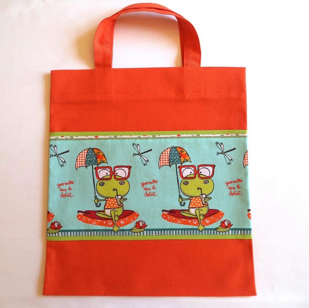 """Sac de bibliothèque pour enfants, sac- multifonctions , sac à doudous , """"Madame grenouille et son parapluie"""", fait-mains."""