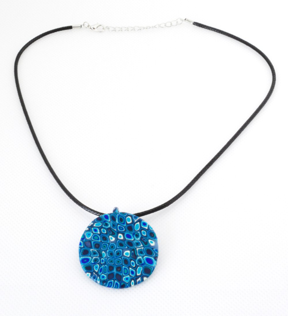Collier pendentif rond bleu turquoise