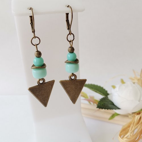 Boucles d'oreilles pendentif bronze et perles en verre bleu vert