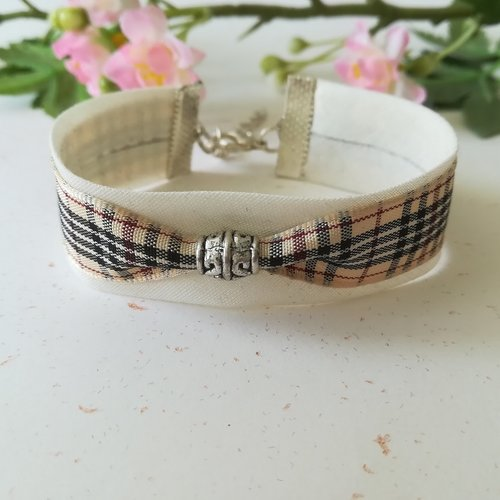 Bracelet tissus biais beige avec ruban écossais