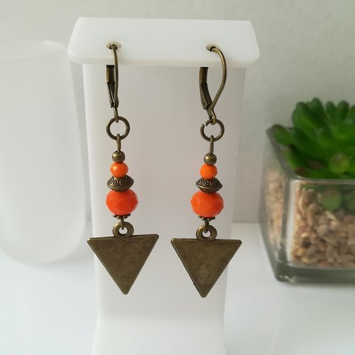 Boucles d'oreilles perles oranges et apprêts bronze