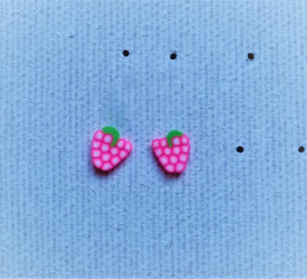 Boucle d'oreille puce framboise