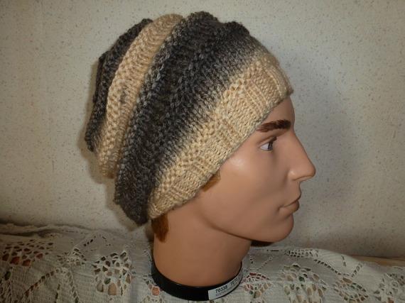 bonnet pour tous adulte  et ado se porte de deux façon retombant ou classique avec un revers chaud et ravissant  pour