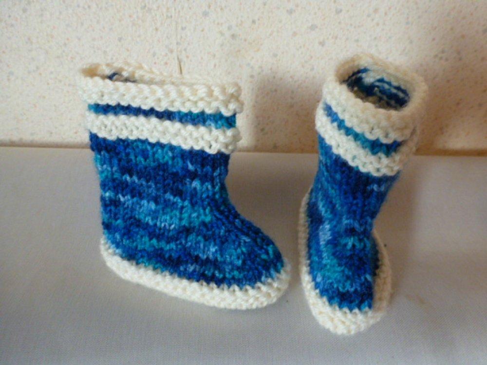 ensemble bébé bonnet de lutin et chausson forme botte