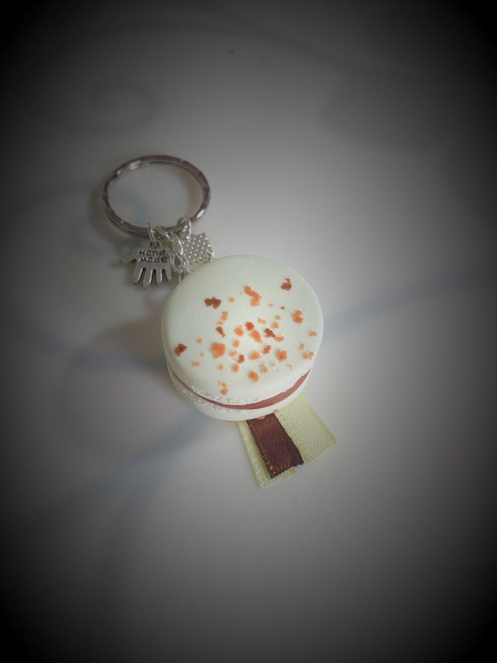Porte clés macaron caramel