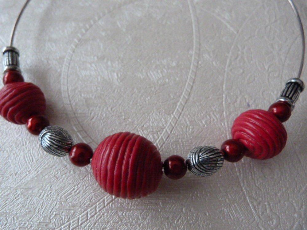 Collier tour de cou rouge