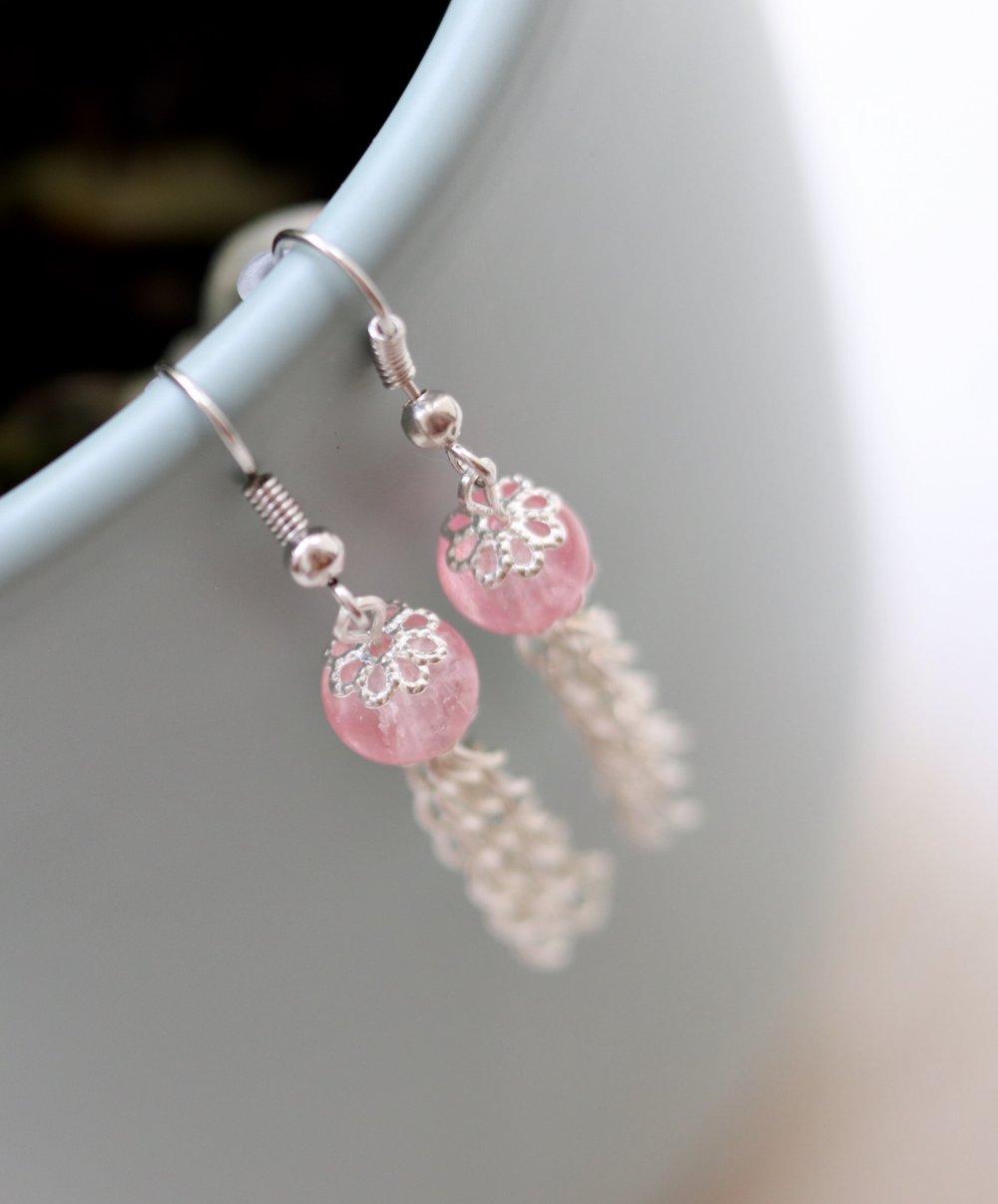 Perles en verre rose