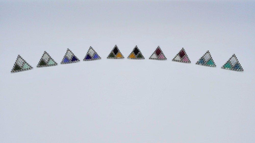 Boucles d'oreilles géométriques turquoise // puces d'oreilles géométriques turquoise // tissage de perles // fait main // perles miyuki // cadeau femme // cadeau fille