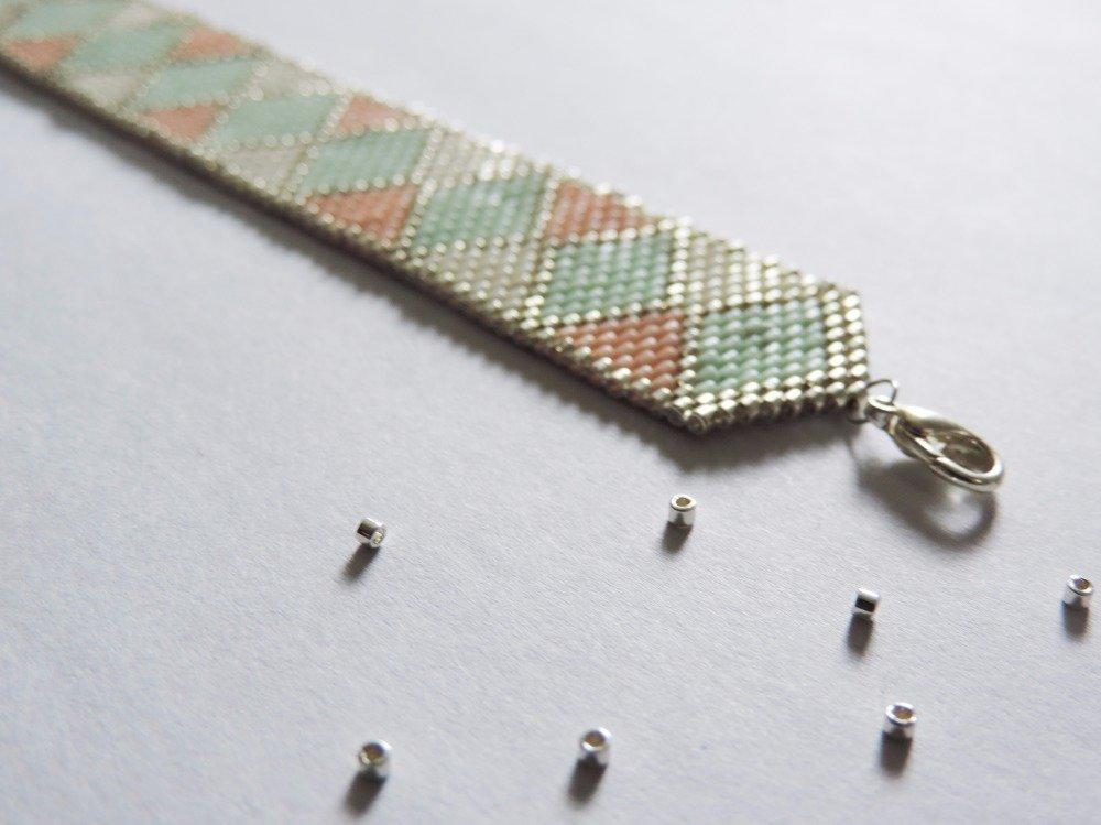 Bracelet tissé en perles miyuki motif losange pastel