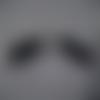 Boucles d'oreilles des tongs noir et grise