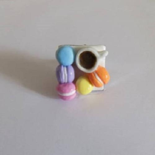 Bague gourmandes petits macarons multicolor