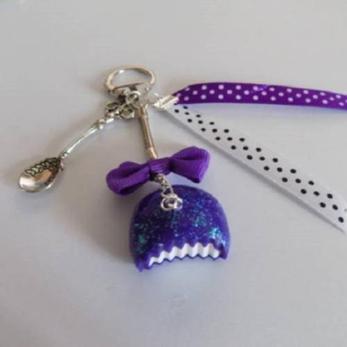 Porte clés gourmands un bonbon violet