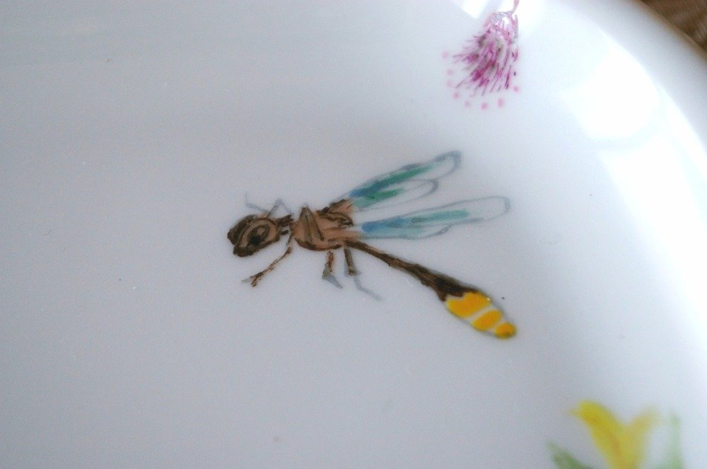 Plat porcelaine - décor Papillons Libellules - peint à la main