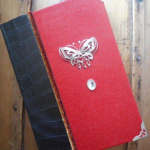 Grimoire, livre elfique rouge et noir , grimoire, carnet personnel