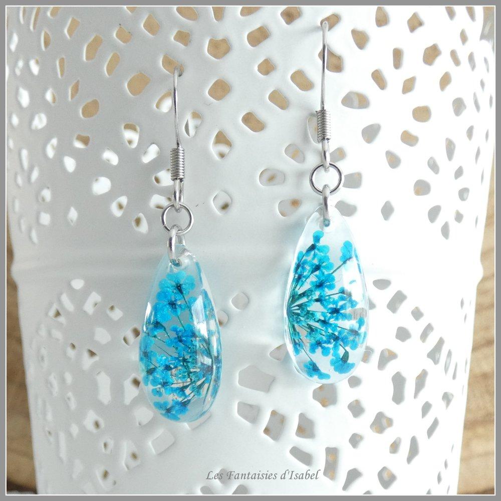 Paire de boucles d'oreille en résine et Ammi Majus couleur bleu turquoise
