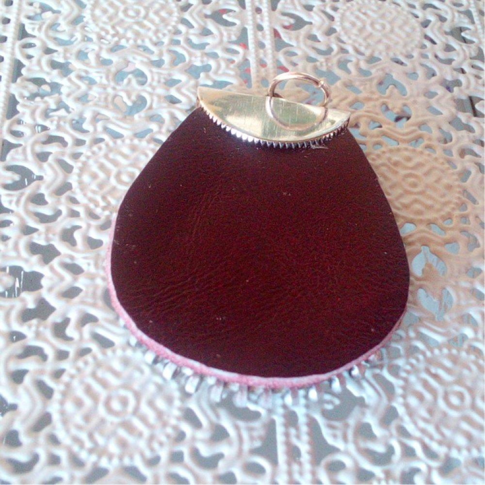 Bijou glissière pendentif goutte cuir bordeaux