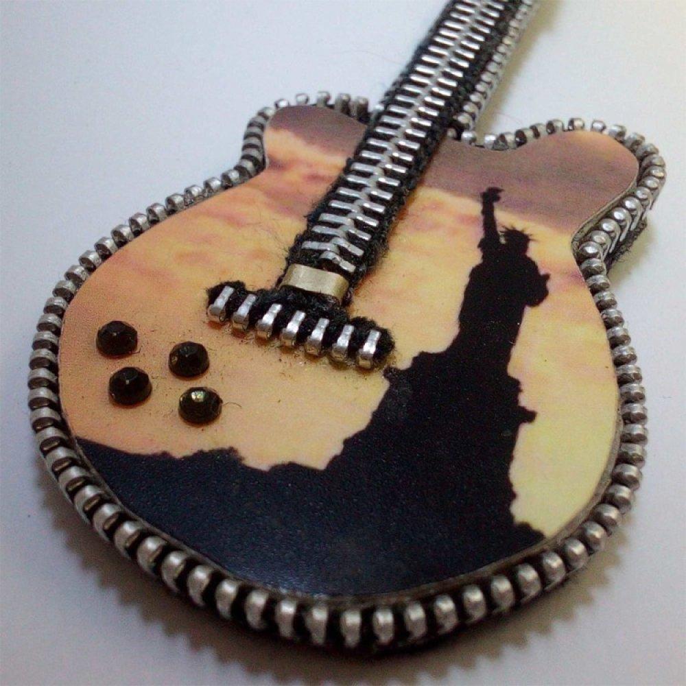 Guitare miniature collection : statue de la Liberté