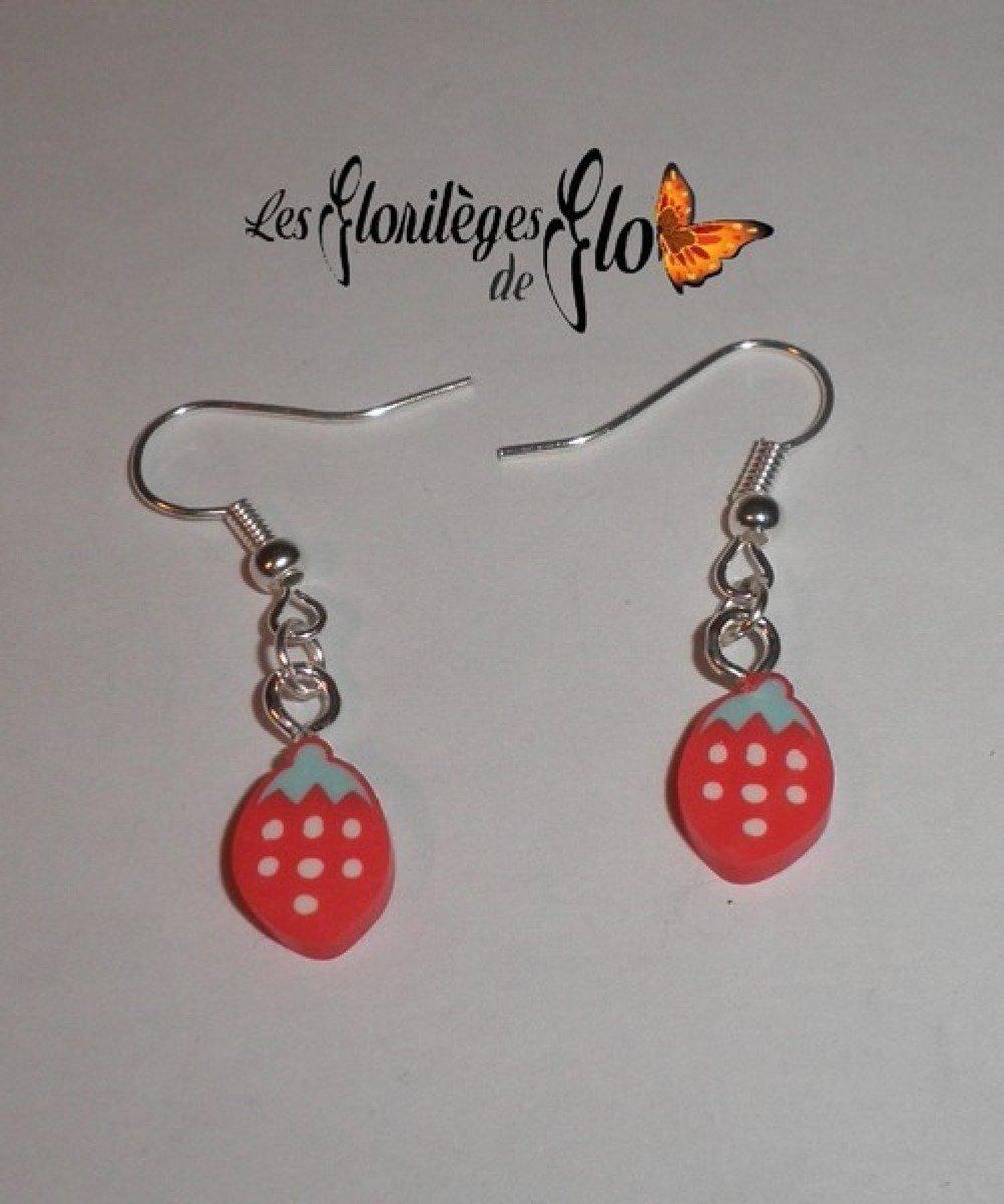 00917 - Boucles d'oreille fraise fimo