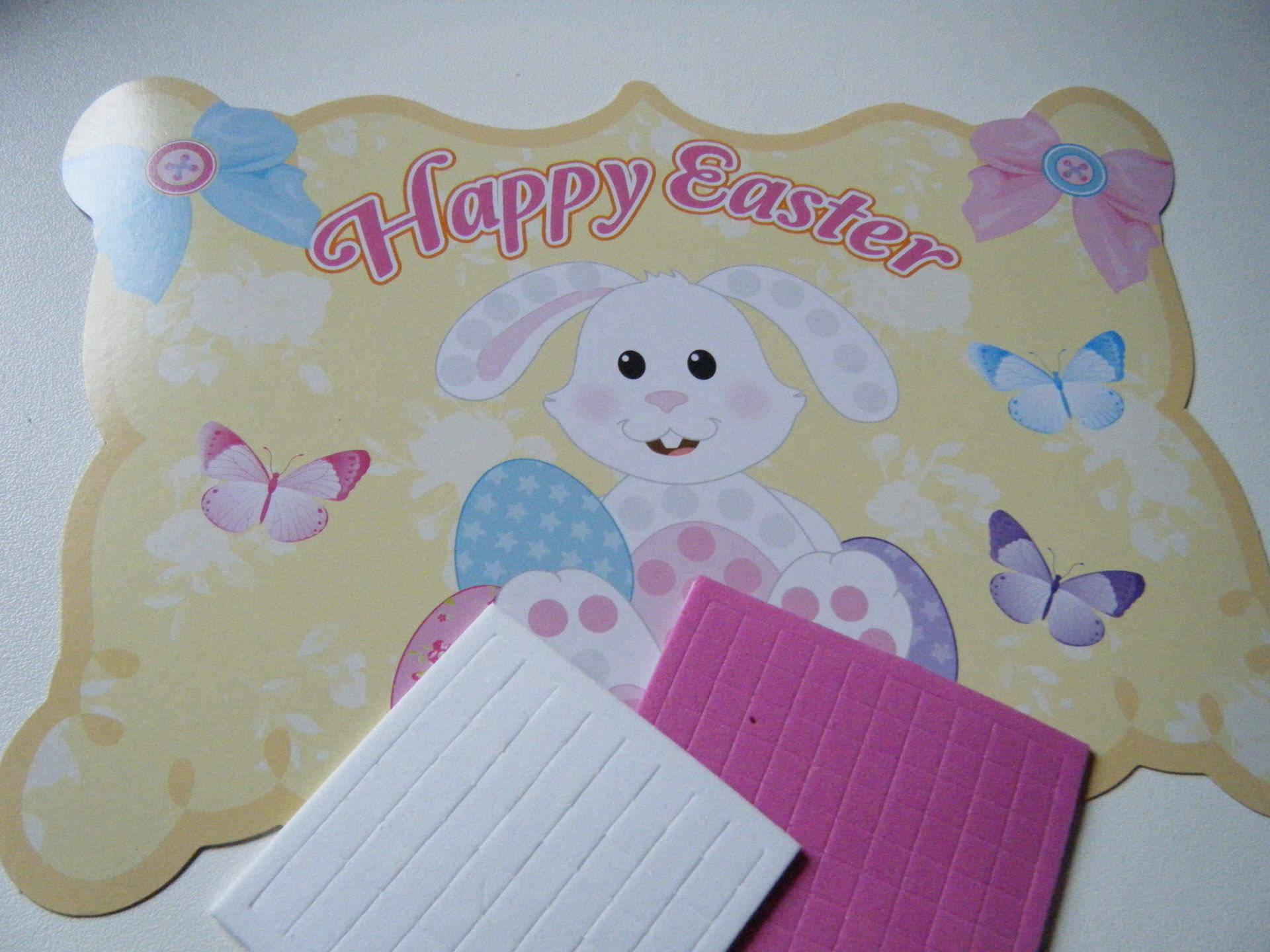 tableau, mosaïque motif lapin blanc pré imprimé à compléter avec des gommettes en mousse pour pâques