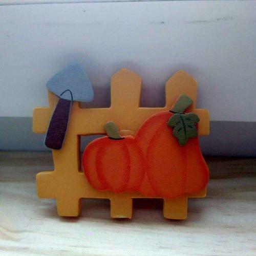 Barrière miniature en bois de couleur orange avec motif automne pour vitrine ou maison de poupée