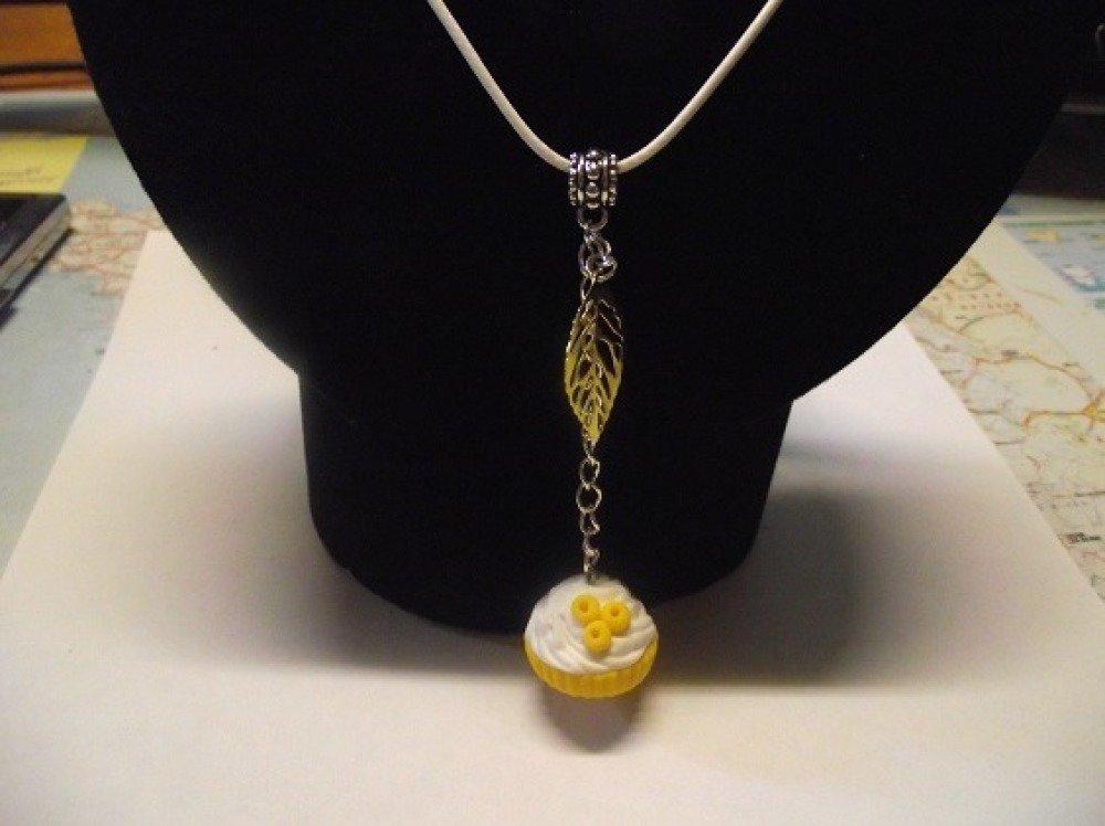 Collier cordon blanc réglable 45-50 cm-Bon gâteau -jaune
