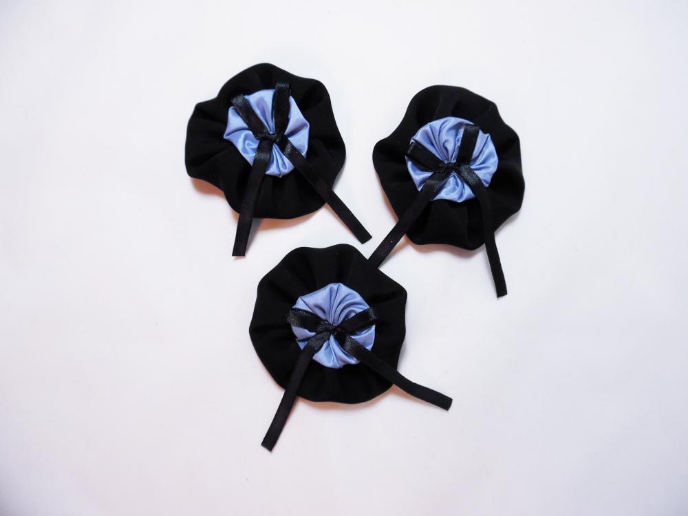 lot de 3 fleurs à coudre noires et bleues