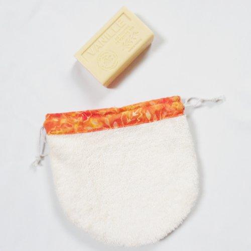 Pochette en éponge beige et coton orange pour savon