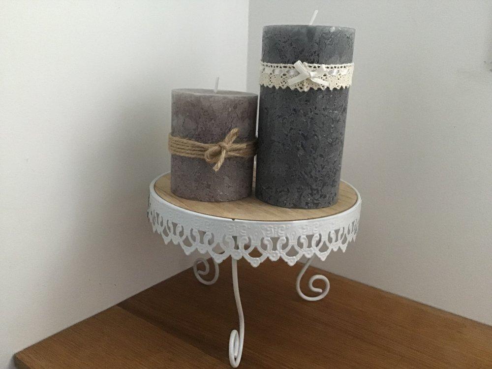 Photophore, trio de bougies sur petite console en bois et métal blanc