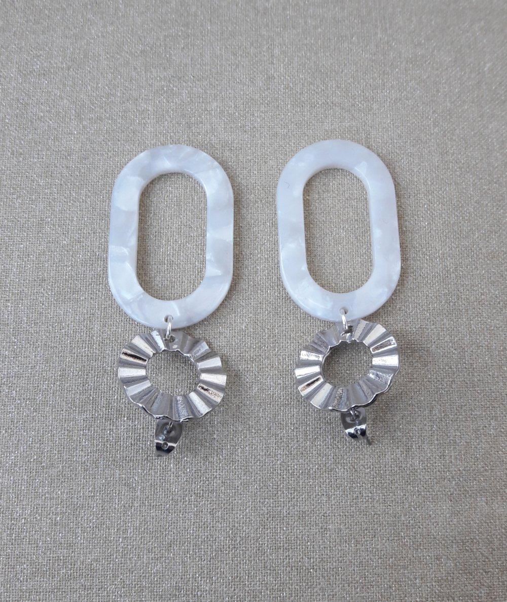 Boucles d'oreilles pendentif ovale acétate écaille de tortue blanc et Clous d'oreilles ronds argenté