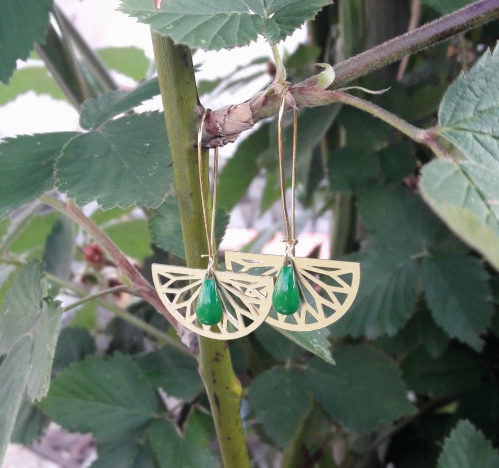 Boucles d'oreilles demi rosace doré et goutte émaillée vert