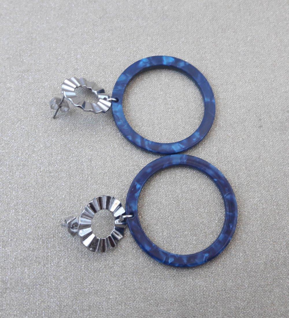 Boucles d'oreilles pendentif en acétate écaille de tortue bleu marine et Clous d'oreilles ronds argenté