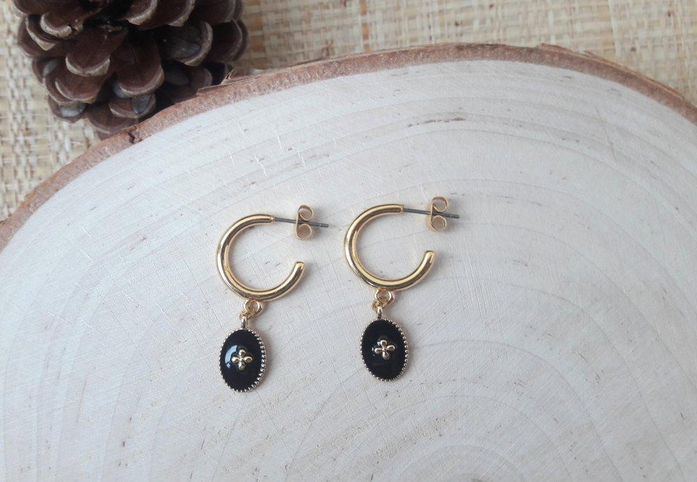 Boucles d'oreilles médailles ovales émaillés noires créoles dorées