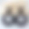 Boucles d'oreilles (petit modèle) créoles perles noires en résine - esprit vintage