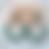 Boucles d'oreilles aurore - créoles perles dorées et vert en résine - esprit vintage